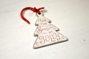 Ornament de brad- Season to be jolly