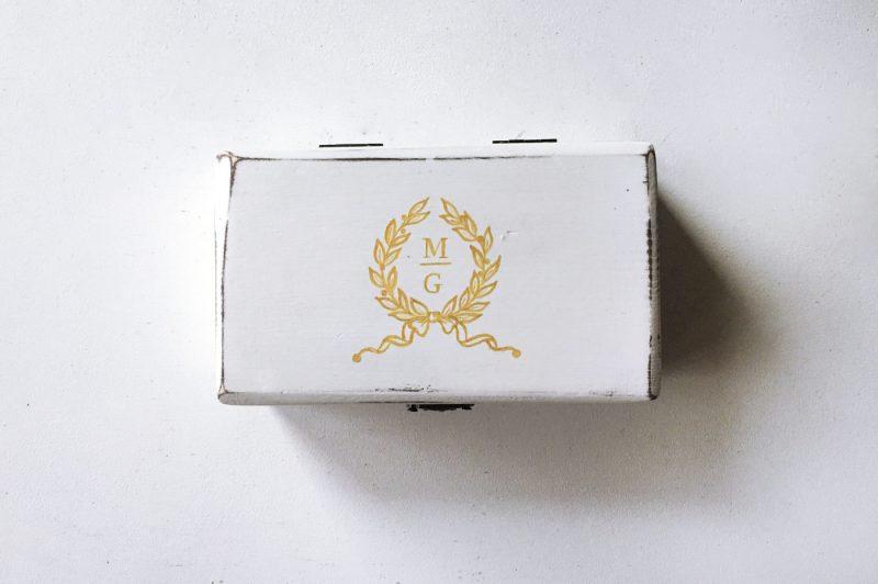 Cutie verighete personalizata cu logo-ul nuntii