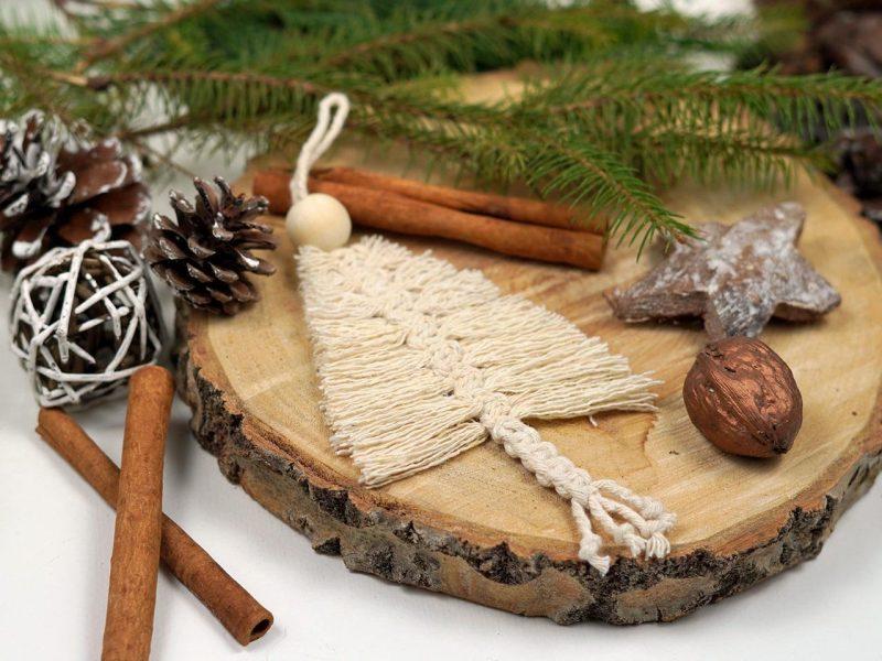 Xmas ornament pentru brad realizat manul din macrame forma de bradut 5