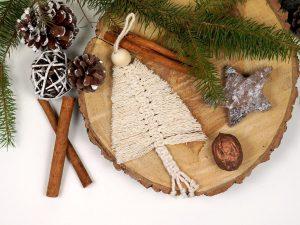 Xmas ornament pentru brad realizat manul din macrame forma de bradut 4