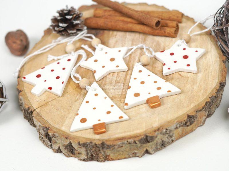 set de 5 ornamente de brad Jolly dots format din stelute si braduti din lemn 2